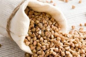 4093671-raw-buckwheat-in-small-sack